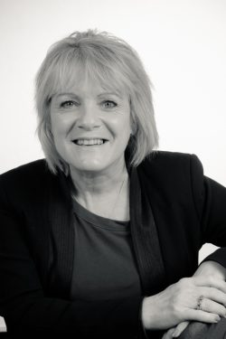 Linda Bunning - Secretary and Fellow of the Institute of Paralegals